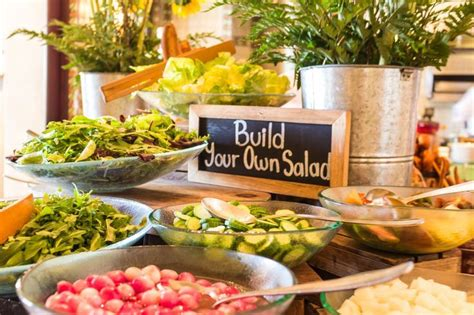 Best Salad Bar Toppings by 25 Best Ideas About Salad Bar On Salad Toppings Broccoli Slaw Pasta And Shell