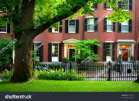 beacon hill is a wealthy neighborhood of federal style