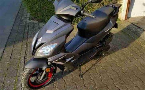Www Motorroller 125ccm Gebraucht Kaufen by Motorroller 125 Ccm Schwarz Matt Neuwertig Bestes
