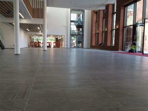 b doherty installs fast track floor solution in qub using