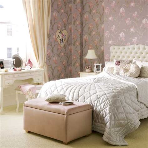 boudoir bedroom wallpaper flower power boudoir feminine bedroom designs pink