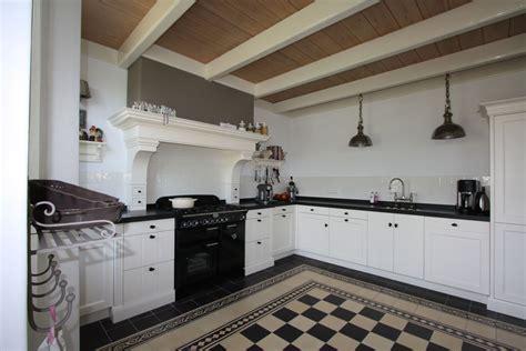 landelijke keuken hout houten keukens op maat landelijke keukens