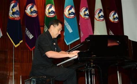 Keyboard Techno Malang permainan piano ciamik gita wirjawan memukau di uph tribunnews