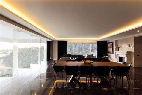 beleuchtung deckenbeleuchtung indirekte deckenbeleuchtung und einbauspots apartment in