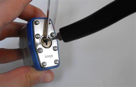 kit crochetage pour ouverture de serrure de voiture