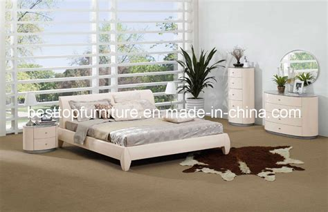 china oval shape high glossy bedroom furniture 8813a