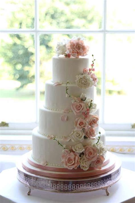 Wedding Cake And Flowers by Floral Wedding Cake Decorations
