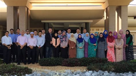 Mba Brunei 4 day mba simulation program brunei 2017 executive wisdom