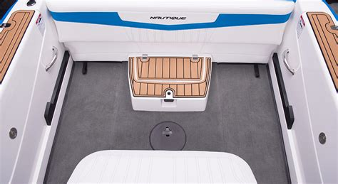 Nautique Upholstery by Ski Nautique 200 Closed Bow Water Ski Sports Boat