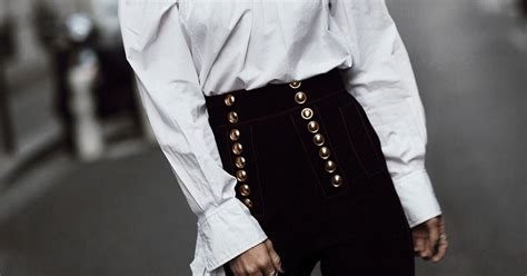 7 Ways To Wear The Utility Trend by 7 Stylish Ways To Wear The Trend This Fall Be