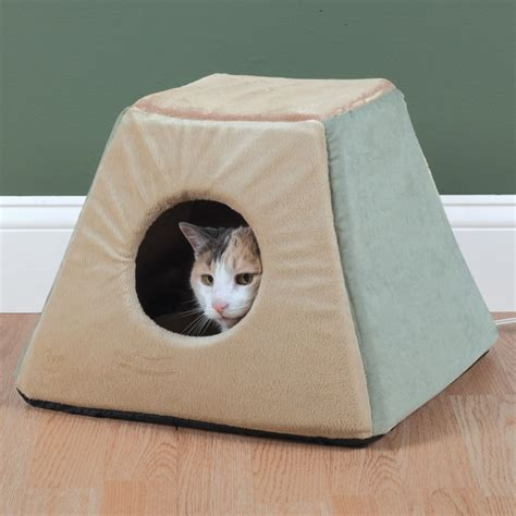 best cat beds the best heated cat bed hammacher schlemmer