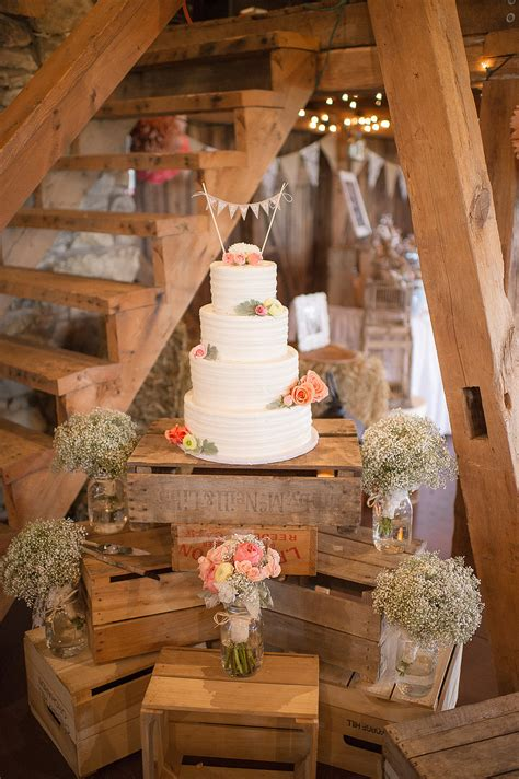 Wedding Cake Decorating Ideas by 30 Inspirational Rustic Barn Wedding Ideas Tulle
