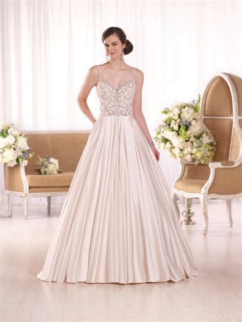 Lyon Dress Wa 256 the wedding bell tacoma wa bridal gowns wedding gowns bridesmaids prom evening gowns