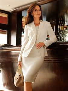 Comfort Suites Corporate What To Wear To Work Timeless Suits For Women 2018