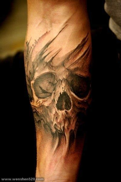 biomechanical tattoo fixers 手小臂上的骷髅头纹身图案