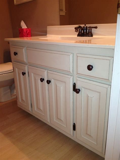 annie sloan bathroom cabinets our bathroom after painting 80s honey oak cabinets with annie sloan chalk paint 2