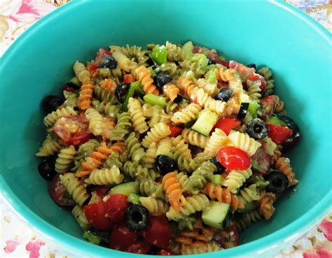 easy pasta salad the big giant food basket very easy and quick pasta salad