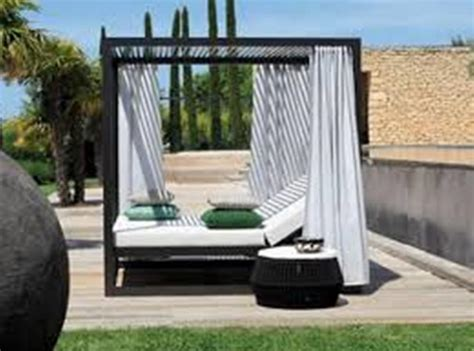 Outdoor Daybed With Canopy Outdoor Canopy Daybed Barefoot And Beautiful Daybed Delights An Elegantly Luxurious Outdoor