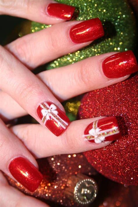 gelnaegel muster weihnachten auf den naegeln