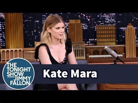 Battle Of The Lhuillier Mara Vs Bell by Kate Mara Turned Fianc 233 Bell Into A Bigger Ny Giants