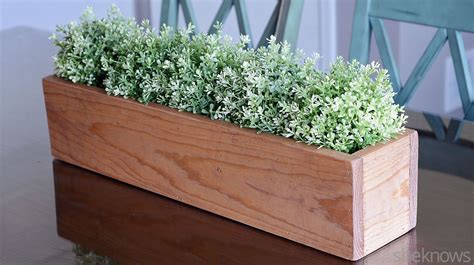 diy wooden box centerpiece is an easy way to bring the outdoors in