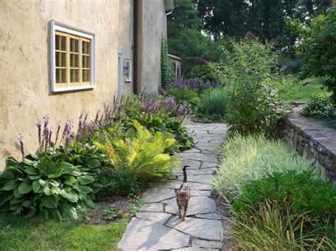Flagstone Entryway 19 Garden Walkway Designs Decorating Ideas Design