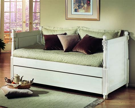 Daybed With Pop Up Trundle Day Bed With Pop Up Trundle By Alligator Enterprise