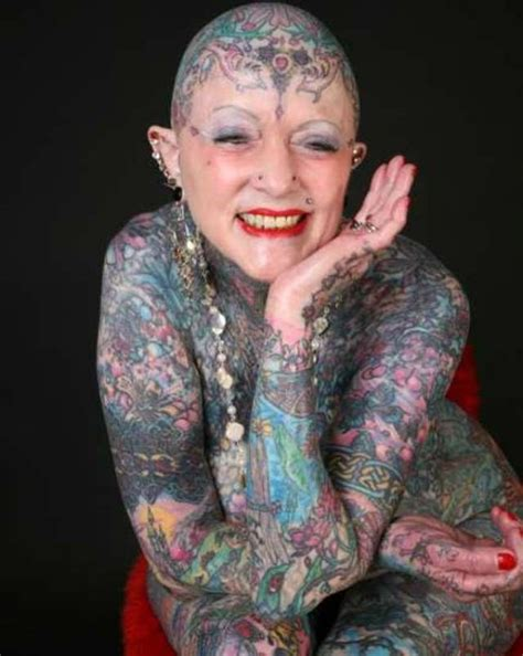 personas tatuadas en todo el cuerpo she was in guinness world records for most tattoos i m