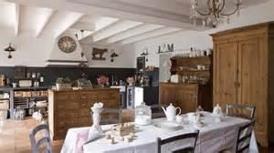 cuisine style romantique une maison au charme fou en gironde