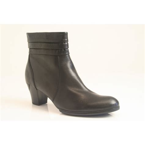 gabor quot forever quot ankle boot in black leather with zip 75