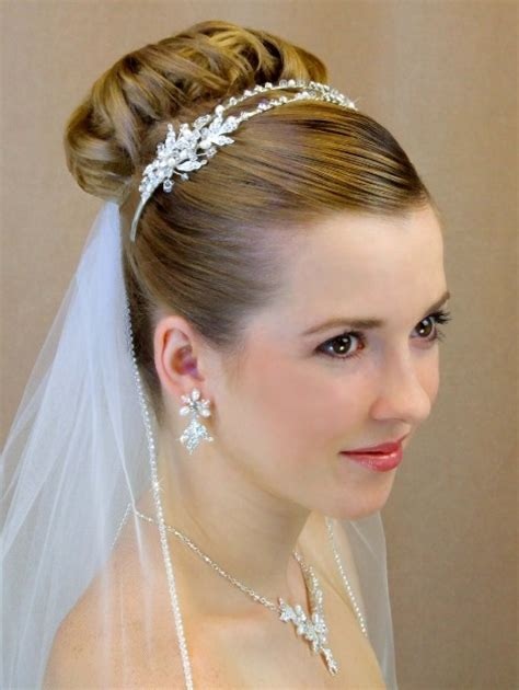 Brautfrisur Diadem Schleier by Beautiful Photos Of Wedding Veils With Tiaras Sang Maestro