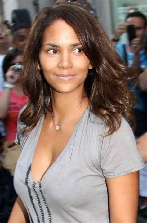 harry berry hairstyle best 25 halle berry pixie ideas on 15 collection of halle berry long hairstyles