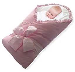 baby in decke wickeln baby wrap swaddle baby blanket by