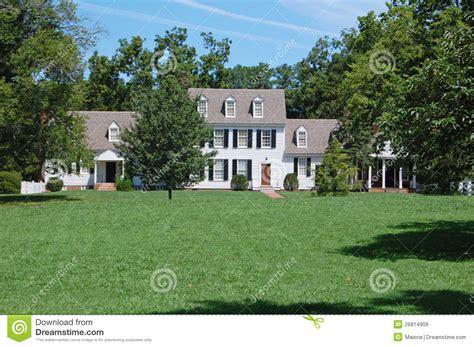 amerikanisches landhaus amerikanisches landhaus lizenzfreie stockbilder bild