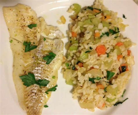 Fish Brown Rice And Vegetable Detox Diet riz filet de colin carottes celeri cookeo plat principal