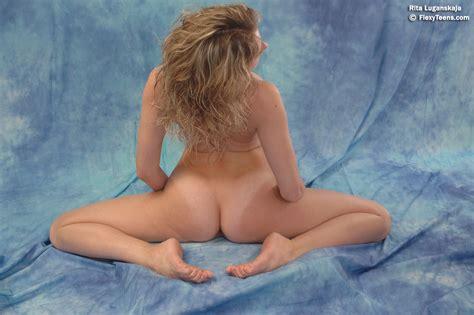 Ultra Model Nude X Size Hot Girls Wallpaper
