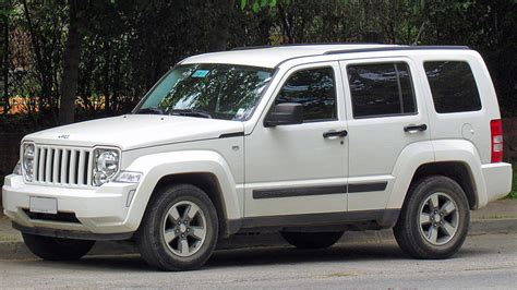 bagged jeep liberty us probes air bag computer failures in 2012 jeep liberty