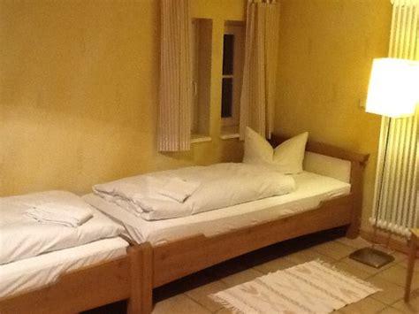 einfache betten hotel kaisermuehle muellrose tyskland hotel