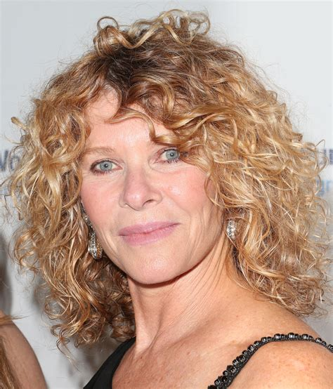 kate capshaw hair kate capshaw short curls short hairstyles lookbook