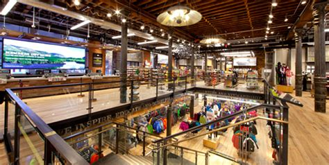 rei sports preserves historic puck building for