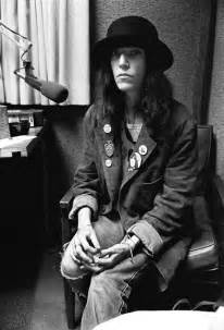 patti smith hairstyle this is it on pinterest patti smith robert mapplethorpe