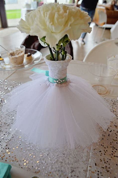 ideas for bridal shower table decorations 25 best ideas about bridal shower centerpieces on