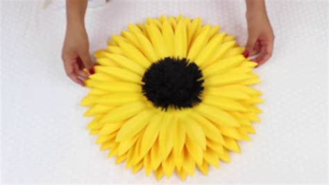 How To Make Sunflower With Paper - diy paper sunflower using template 7