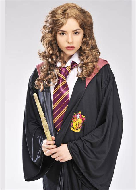 hermione granger description hermione granger style gryffindor robe