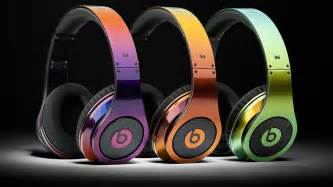 apple headphones colors report apple on verge of buying beats for 3 2b abc13