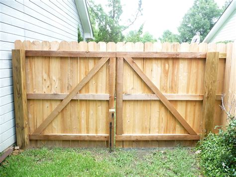 pin  jeff    home   fence gate design