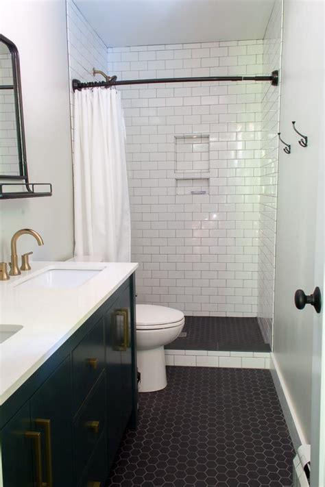 Modern White Bathroom by Best 25 Mid Century Bathroom Ideas On Mid