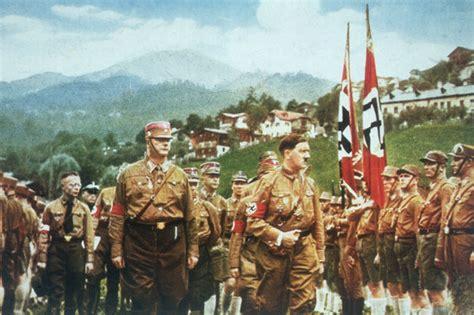 war stories roadrunners internationale declassified u 2 cia files reveal adolf hitler still alive as nazi