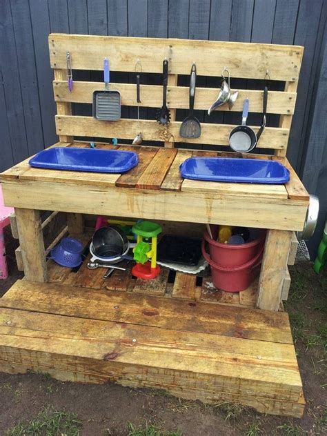 kitchen in a day 25 best ideas about outdoor play kitchen on pinterest