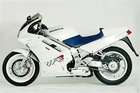 Honda Vfr 750 Rc24 Aufkleber by Pr 233 Sentation De Ma Honda Vfr 750 De 1990